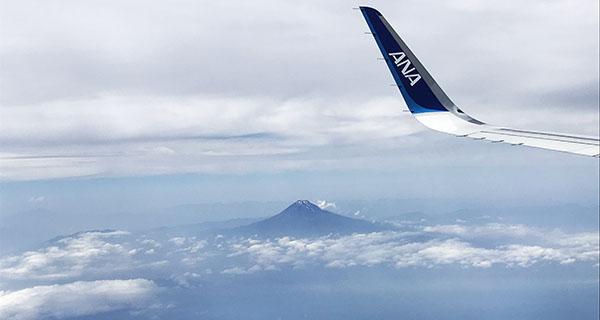 画像、富士山上空五月